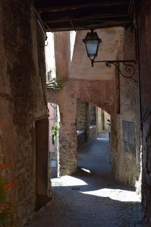 Argegno alleyway