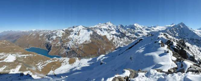 Lac Moiry and summit ridge