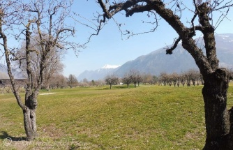 For info. the golf course photos on my Cycle ride post were of the Sierre Golf Club.