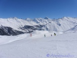 I put this image into the gallery to prove that there were some other skiers !