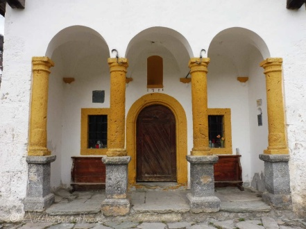Lannaz church entrance