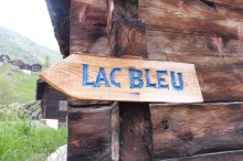 0 Lac Bleu sign