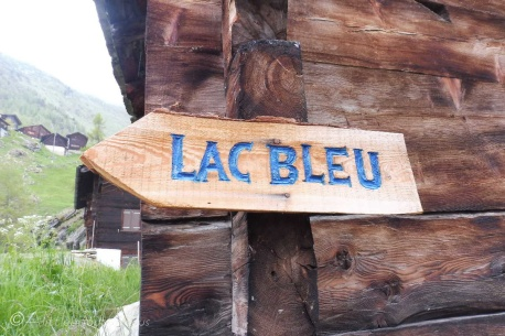 0 Lac Bleu sign