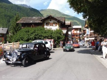 3 Vintage car procession