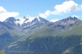 4 Glacier de Vouasson (L) and Pic d'Artsinol (R)