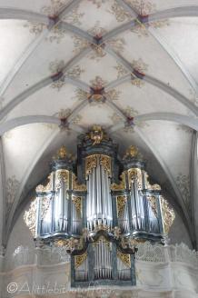 8 Church organ