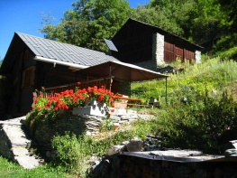 9 Chalet garden