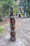 21-totem-pole-and-wigwam