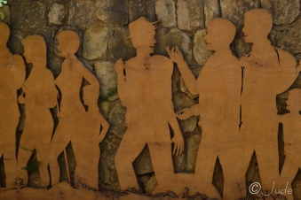 1-wooden-mural-at-start-of-trail
