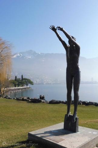 10-statue