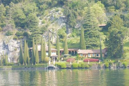 10 Lakeside house