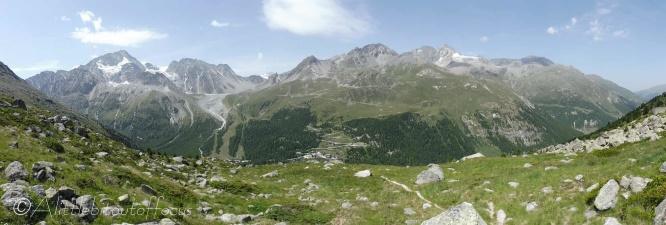 10 Mountain panorama