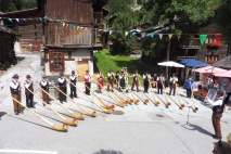 21 Alpenhornists