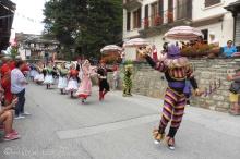 25 Spanish procession