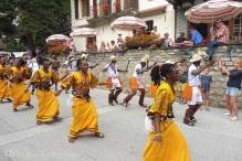 26 Ugandan procession