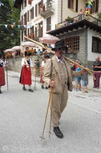 31 Traditional ski attire