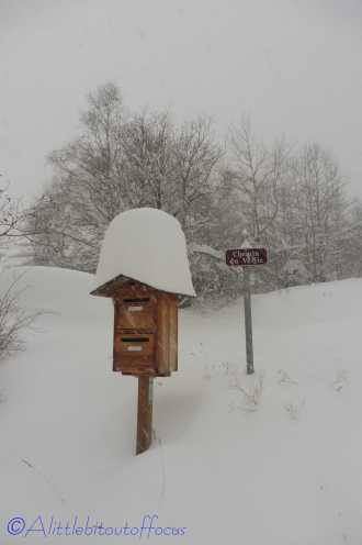 6 Post box