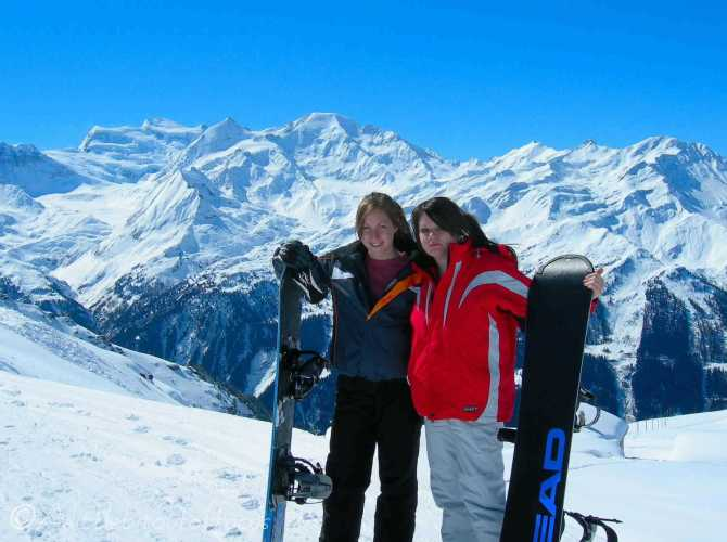 2 Sarah and Jo, Boarding in Verbier