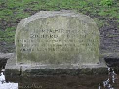 10 Dick Turpin's gravestone