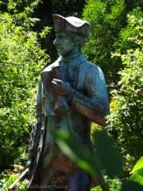 11 Cook statue