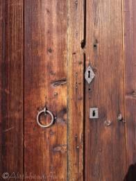 13 Keyholes