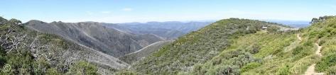 23 Razor Back ridge (L), Hut (R)