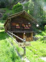 1 Small chalet