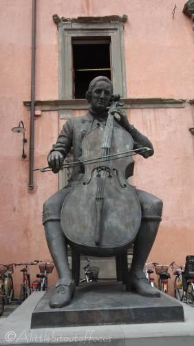 19 Sculpture of Cellist Luigi Boccherini