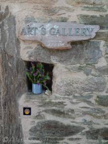 3 Gallery sign