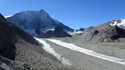 17 Mont Blanc de Cheilon and Dix Hut