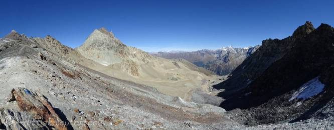 25 View East from the Col des Ignes