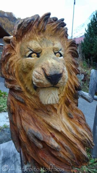 26 Lion wood carving