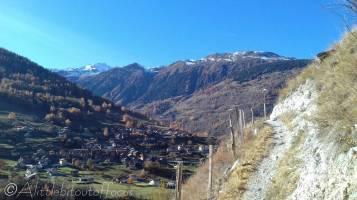 5 Path overlooking Euseigne