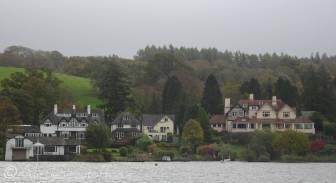 9 Lakeside Houses