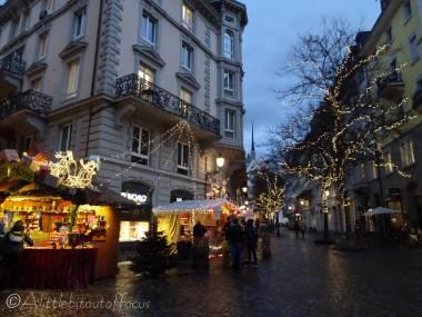 12 Christmas market stalls