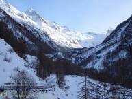 19 Dent Blanche (L), Mont Miné (R)