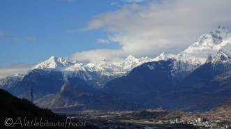 1 grand chavalard (l) and haut de cry (r) with sion below