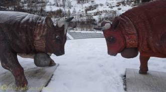 3 carved wooden d'hérens cows