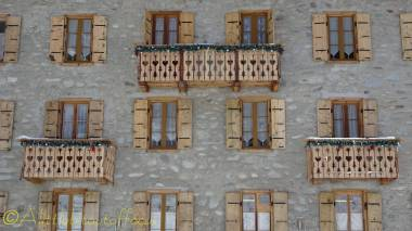 6 aiguille de la tza hotel windows