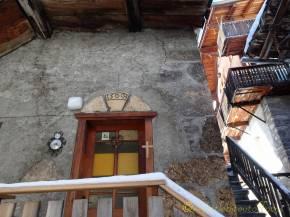5 Old doorway