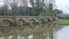 8 Essex Bridge