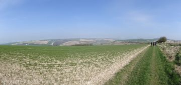 6 Wolds panorama
