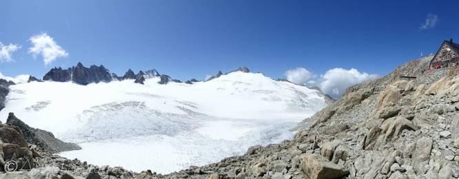 17 Cabane du Trient (R) and glacier