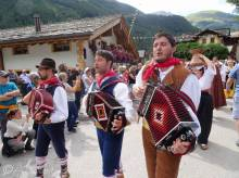 38 Monts Ernici musicians, Italy