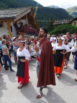 39 Monts Ernici performers, Italy