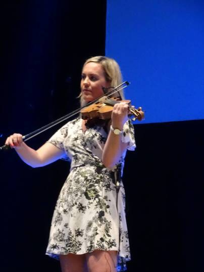7 Violinist