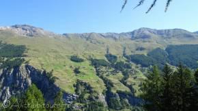 9 Sassenaire (L) and ridge to Pointe de Tsaté (R)