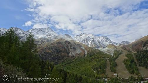1 Pigne d'Arolla and ski slopes (R)