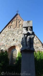 29 Churchyard statue, Lammi