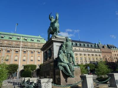 A6 King Gustaf II Adolf (Sweden's first equestrian statue - unveiled 1796)
